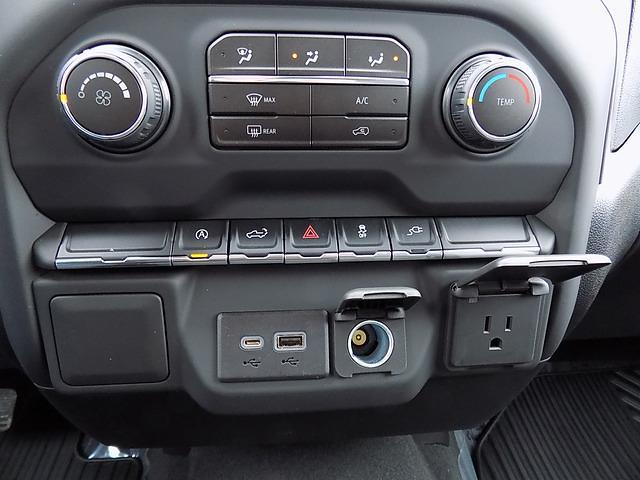 2021 Chevrolet Silverado 1500 Crew Cab 4x4, Pickup #U1953 - photo 14