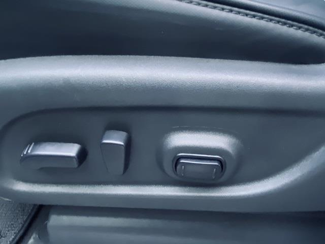 2017 Nissan Titan XD Crew Cab, Pickup #22531 - photo 10