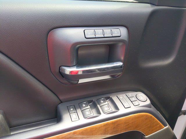 2017 Chevrolet Silverado 1500 Crew Cab 4x4, Pickup #M44566B - photo 18
