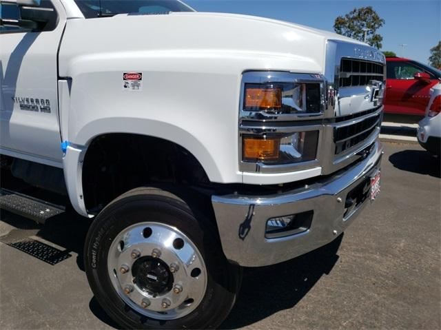 2019 Silverado 6500 Regular Cab DRW 4x4,  Douglass Mechanics Body #T19175 - photo 4