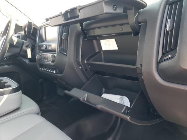 2021 Silverado 5500 Regular Cab DRW 4x4,  Norstar Platform Body #T21150 - photo 24