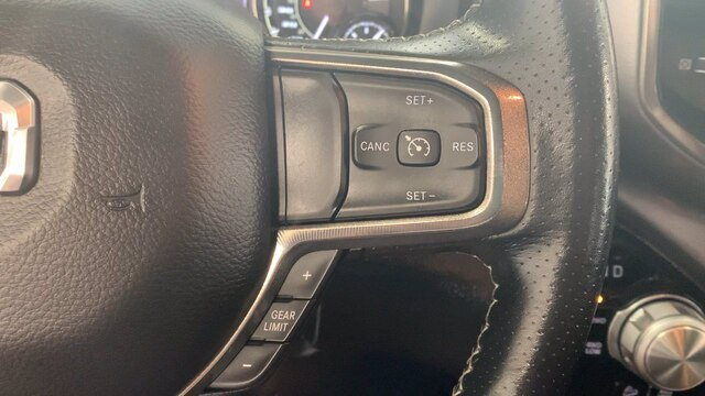 2020 Ram 1500 Crew Cab 4x4, Pickup #R1695 - photo 10