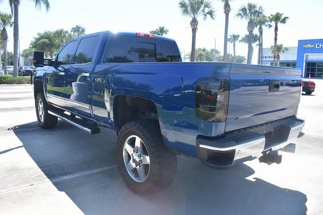 2017 Chevrolet Silverado 2500 Crew Cab 4x4, Pickup #MF139832B - photo 3