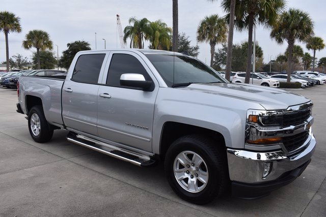 2017 Chevrolet Silverado 1500 Crew Cab 4x2, Pickup #MF153809A - photo 4