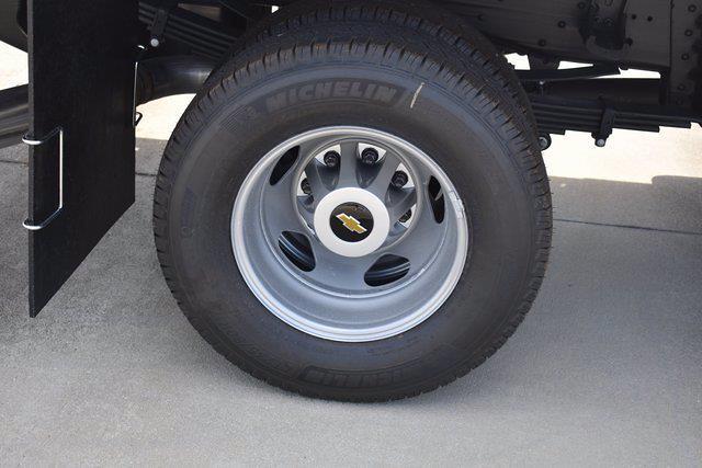 2021 Chevrolet Silverado 3500 Crew Cab 4x4, Knapheide PGNB Gooseneck Platform Body #MF215662 - photo 10