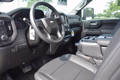 2021 Chevrolet Silverado 3500 Crew Cab 4x4, Knapheide PGNB Gooseneck Platform Body #MF215662 - photo 18