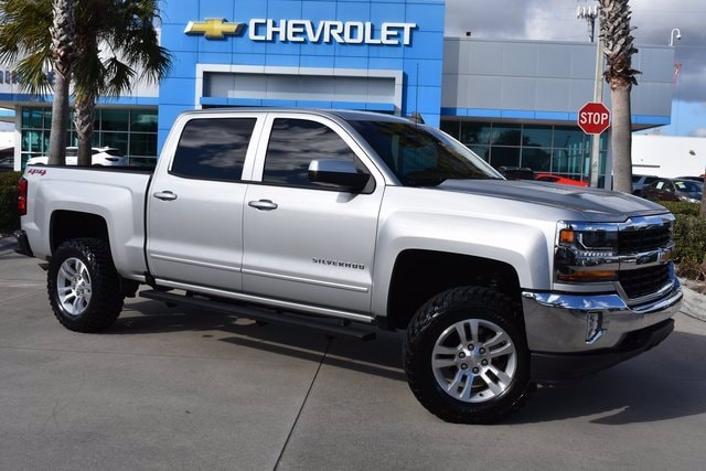 2018 Chevrolet Silverado 1500 Crew Cab 4x4, Pickup #MG153580A - photo 1