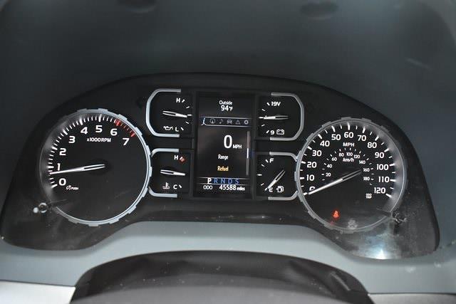 2018 Toyota Tundra Crew Cab 4x2, Pickup #MG328347A - photo 22