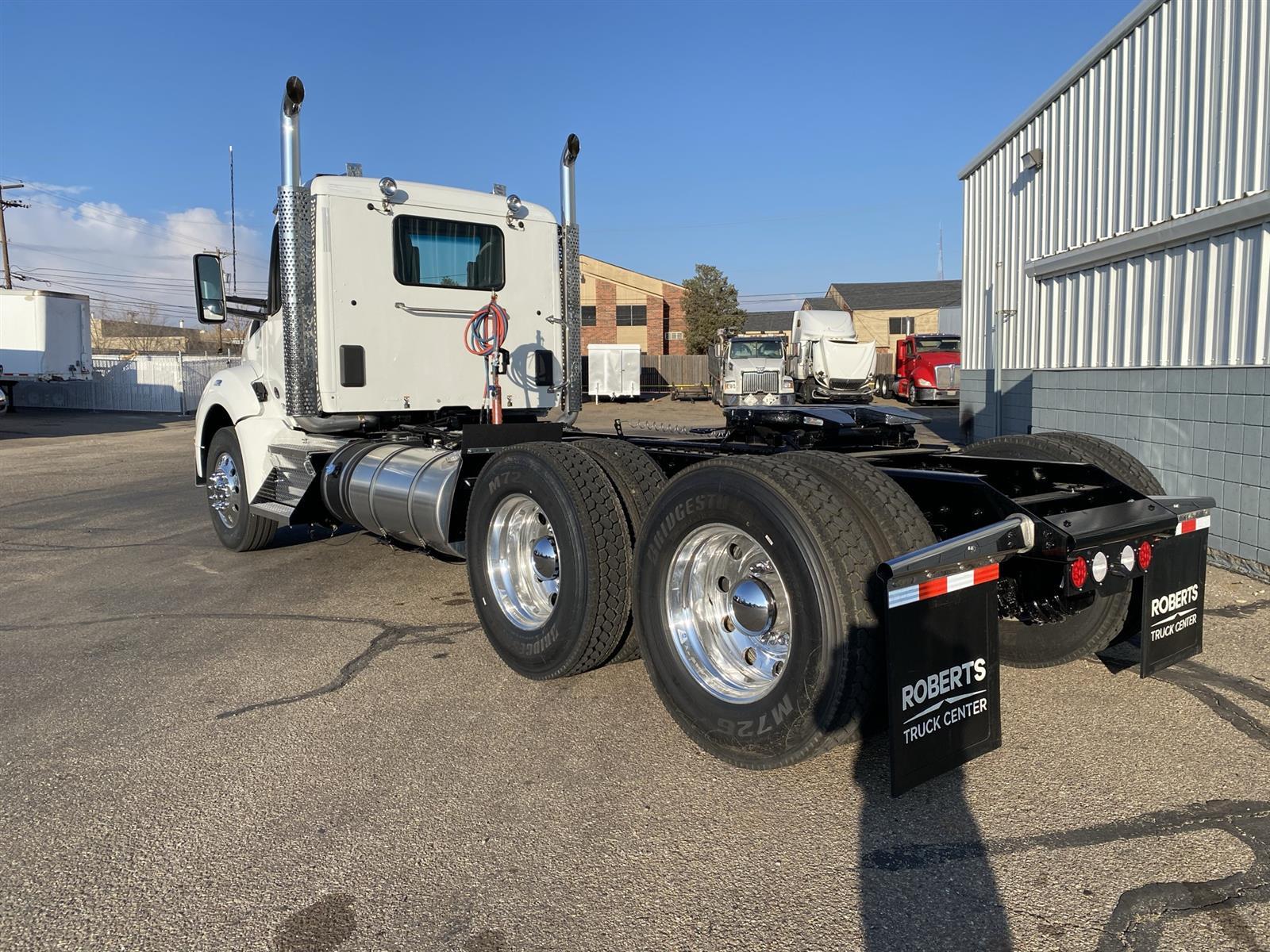 2021 Kenworth T880 6x4, Tractor #MJ464187 - photo 1