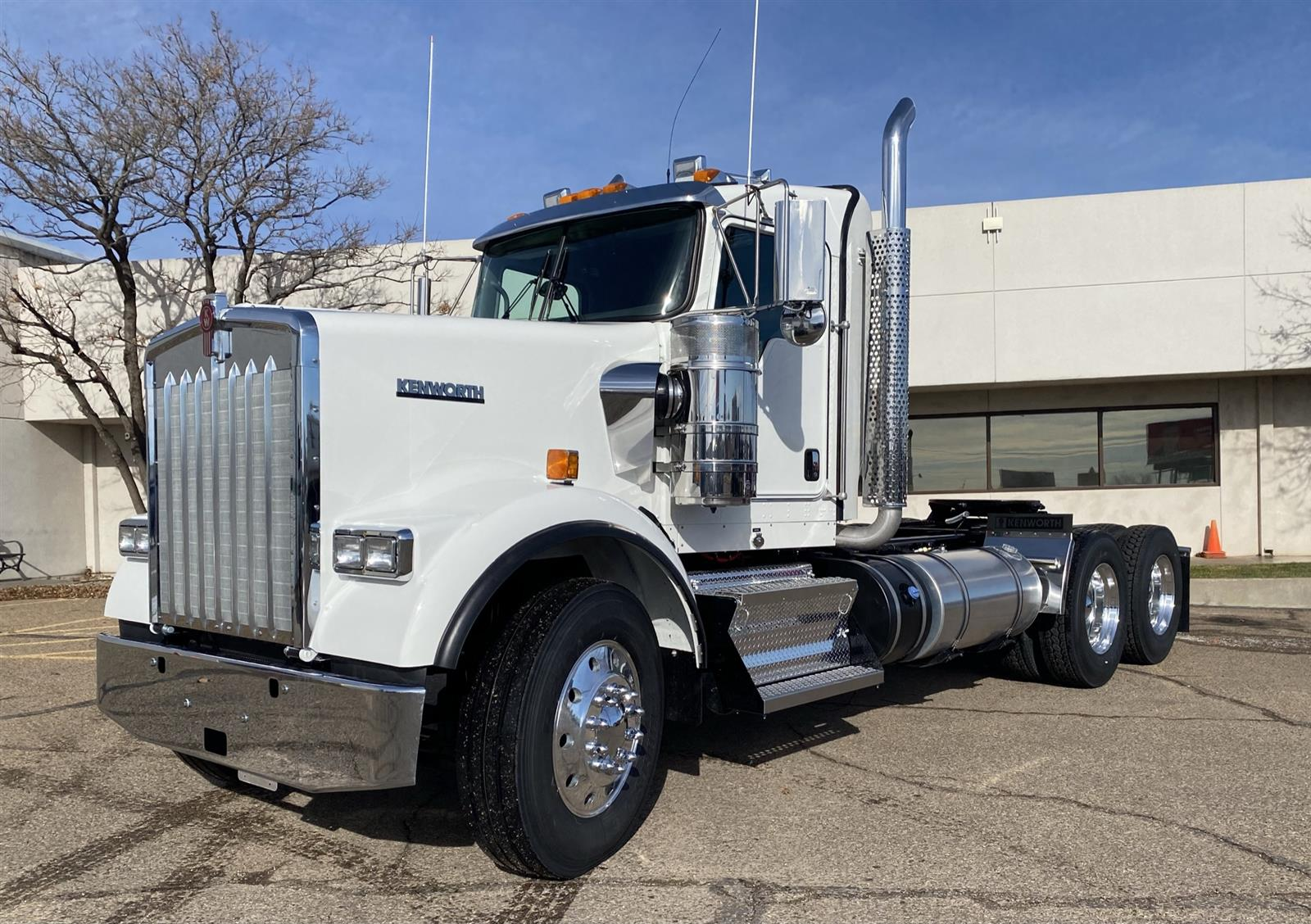 2021 Kenworth W900 6x4, Tractor #MR461488 - photo 1