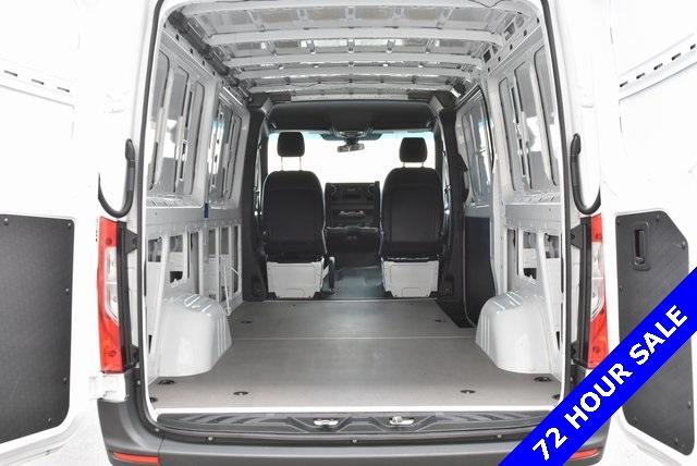 2019 Mercedes-Benz Sprinter 1500 Standard Roof 4x2, Passenger Wagon #KT013813 - photo 1