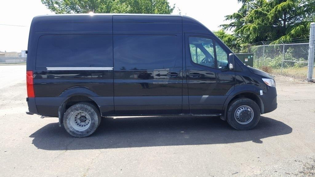 2020 Mercedes-Benz Metris DRW 4x2, Empty Cargo Van #LP205683 - photo 1