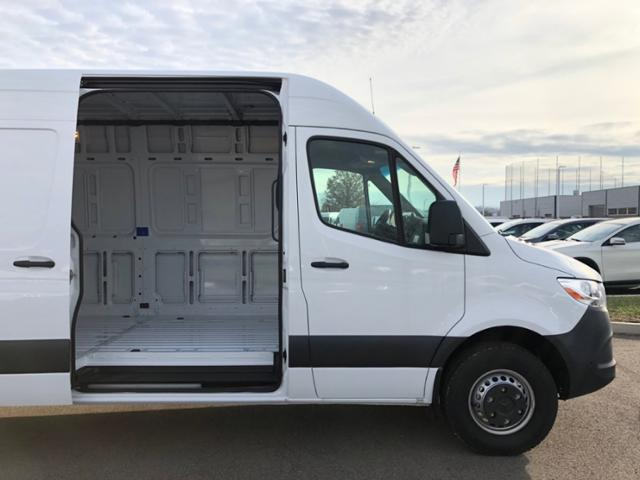 2019 Mercedes-Benz Sprinter Full-size Cargo Van #V19166 - photo 3