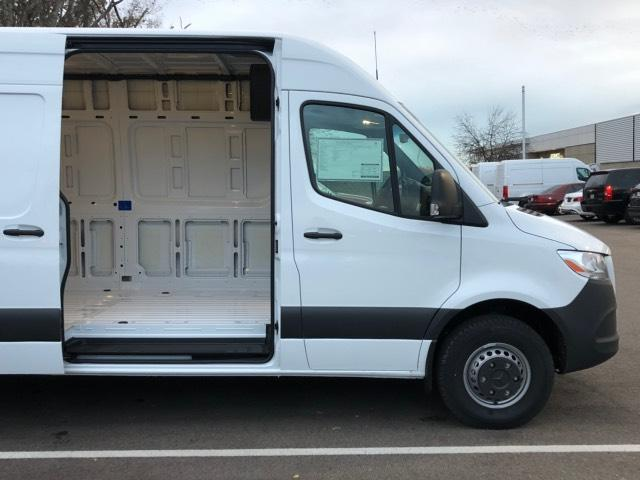 2019 Sprinter 2500 High Roof 4x2, Empty Cargo Van #V19312 - photo 4