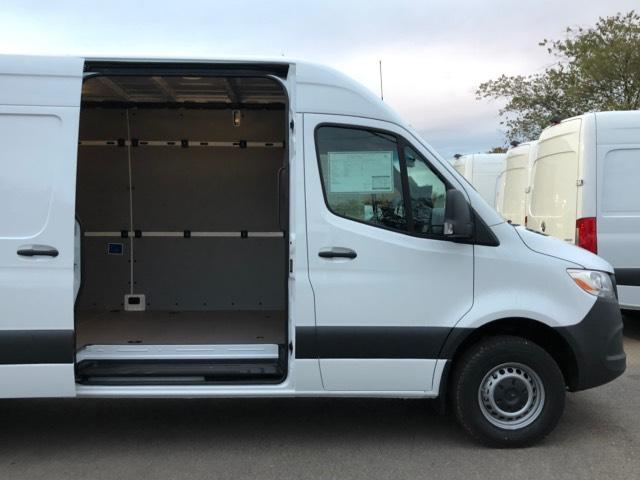 2019 Mercedes-Benz Sprinter Full-size Cargo Van #V19320 - photo 4