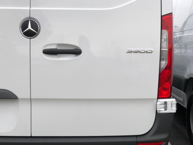 2019 Mercedes-Benz Sprinter Full-size Cargo Van #V19342 - photo 6