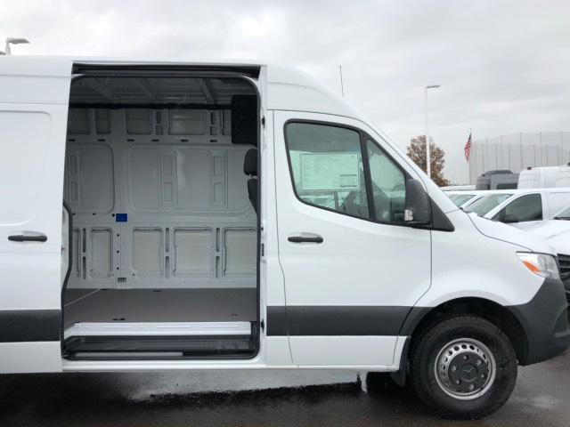 2019 Mercedes-Benz Sprinter High Roof RWD, Extended Cargo Van (Empty) #V19354 - photo 4