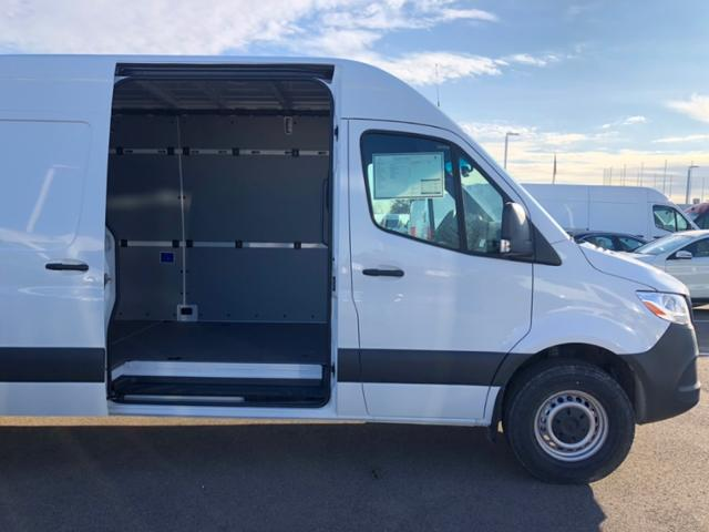 2019 Mercedes-Benz Sprinter Full-size Cargo Van #V19474 - photo 4