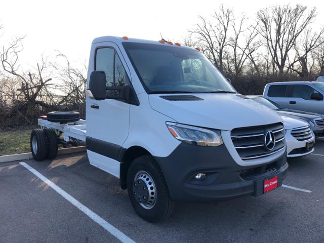 2019 Mercedes-Benz Sprinter 4500 4x2, Cab Chassis #V20396 - photo 1