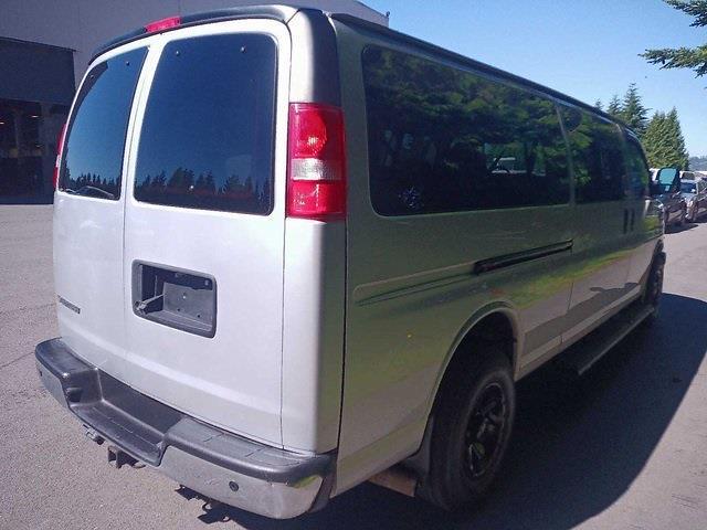 2017 Chevrolet Express 3500, Passenger Wagon #6118015 - photo 1