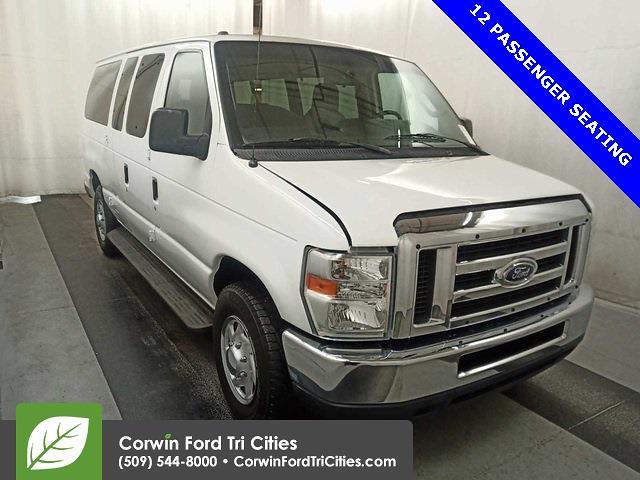 2011 Ford E-350 4x2, Passenger Wagon #6A00107 - photo 1