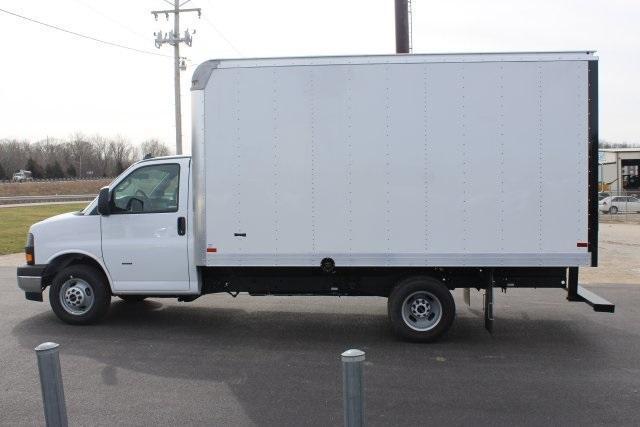 2020 GMC Savana 3500 RWD, Knapheide KCA Cutaway Van #203229 - photo 4