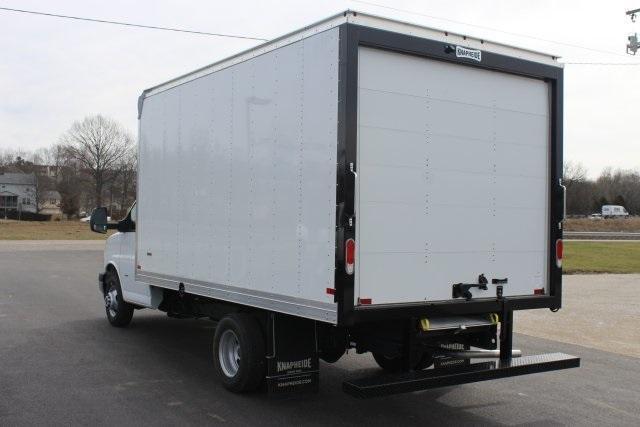 2020 GMC Savana 3500 RWD, Knapheide KCA Cutaway Van #203229 - photo 5