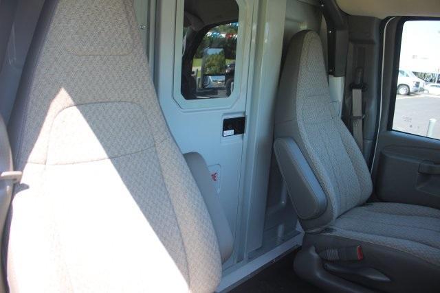 2020 GMC Savana 3500 RWD, Knapheide KUV Service Utility Van #203420 - photo 18