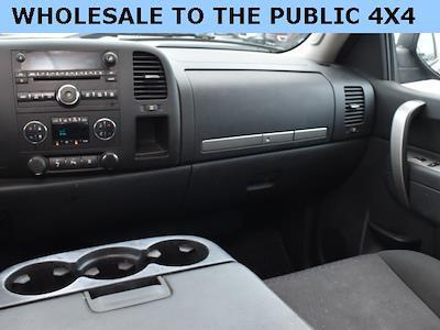 2011 Chevrolet Silverado 1500 Extended Cab 4x4, Pickup #192428A - photo 7