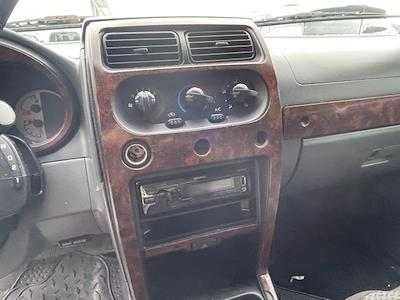 2004 Nissan Frontier 4x2, Pickup #224559F - photo 12