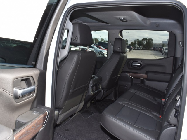 2020 GMC Sierra 1500 Crew Cab 4x4, Pickup #286413 - photo 8