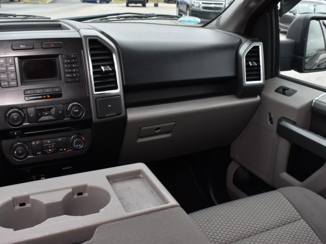 2015 Ford F-150 SuperCrew Cab 4x2, Pickup #3G2225 - photo 6