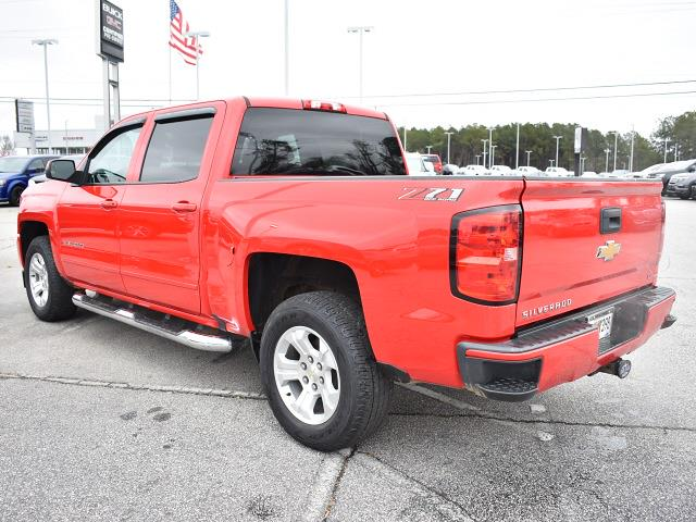2018 Chevrolet Silverado 1500 Crew Cab 4x4, Pickup #3G2346 - photo 4