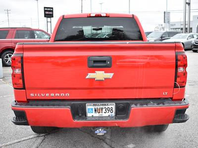 2018 Chevrolet Silverado 1500 Crew Cab 4x4, Pickup #3G2346 - photo 3