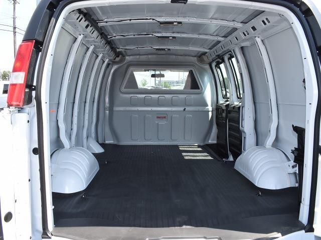 2021 GMC Savana 2500 4x2, Empty Cargo Van #FG6721 - photo 2