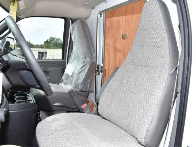 2020 GMC Savana 3500 4x2, Unicell Classicube Cutaway Van #FG7047 - photo 12