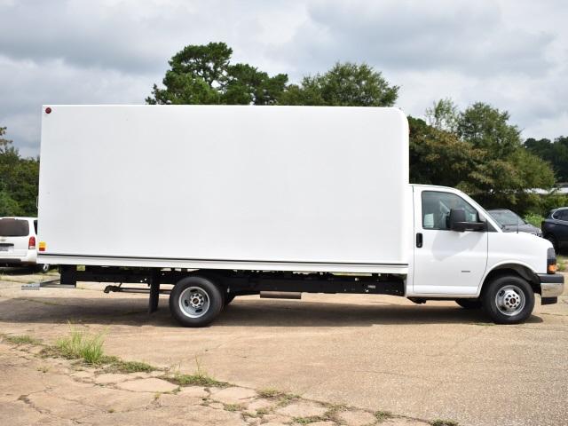 2020 GMC Savana 3500 4x2, Unicell Classicube Cutaway Van #FG7047 - photo 3