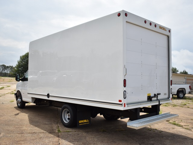 2020 GMC Savana 3500 4x2, Unicell Classicube Cutaway Van #FG7047 - photo 5