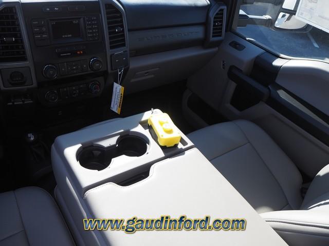 2019 F-550 Super Cab DRW 4x4, RhinoPro Truck Outfitters Dump Body #9T1575 - photo 10