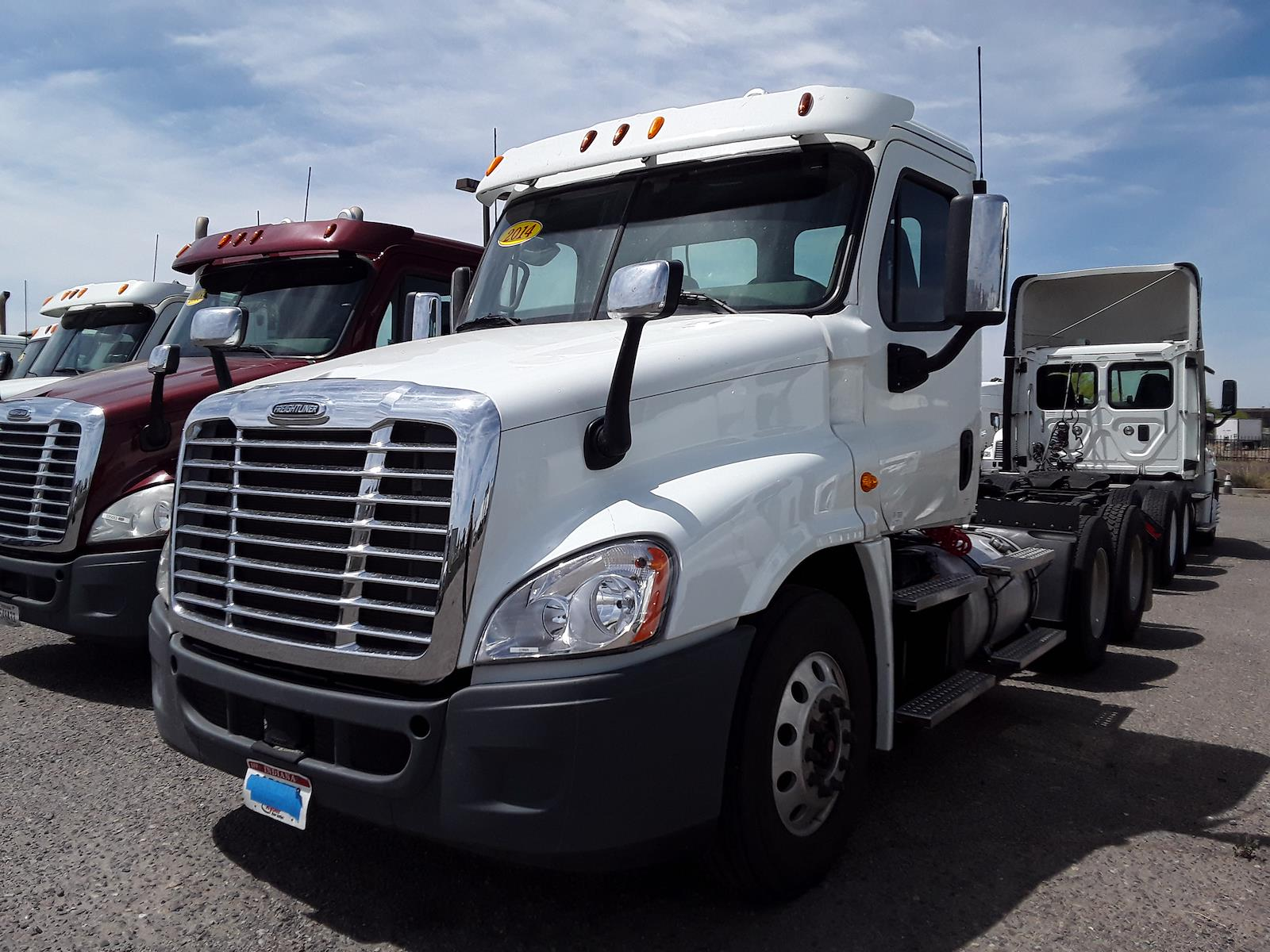 2014 Freightliner Cascadia 6x4, Tractor #518926 - photo 1