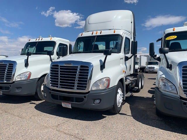 2014 Freightliner Cascadia 6x4, Tractor #520056 - photo 1