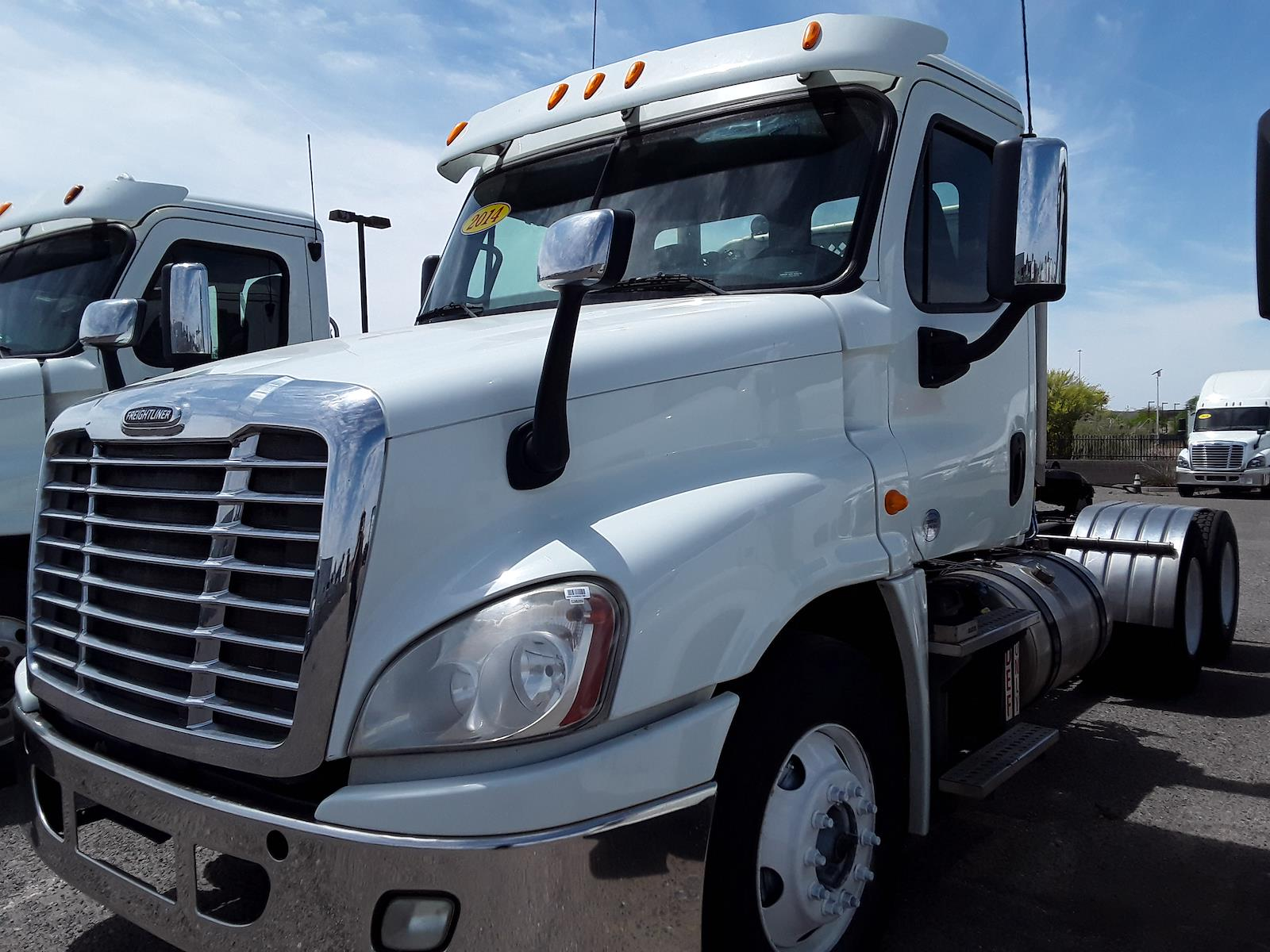 2014 Freightliner Cascadia 6x4, Tractor #538289 - photo 1