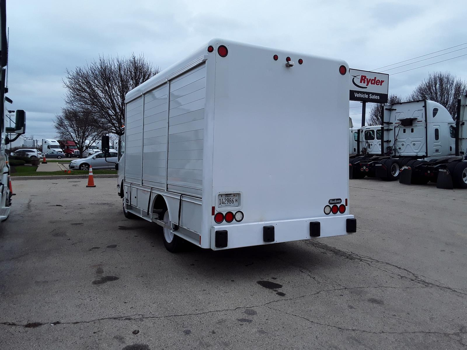2014 Isuzu NQR 4x2, Other/Specialty #588037 - photo 1