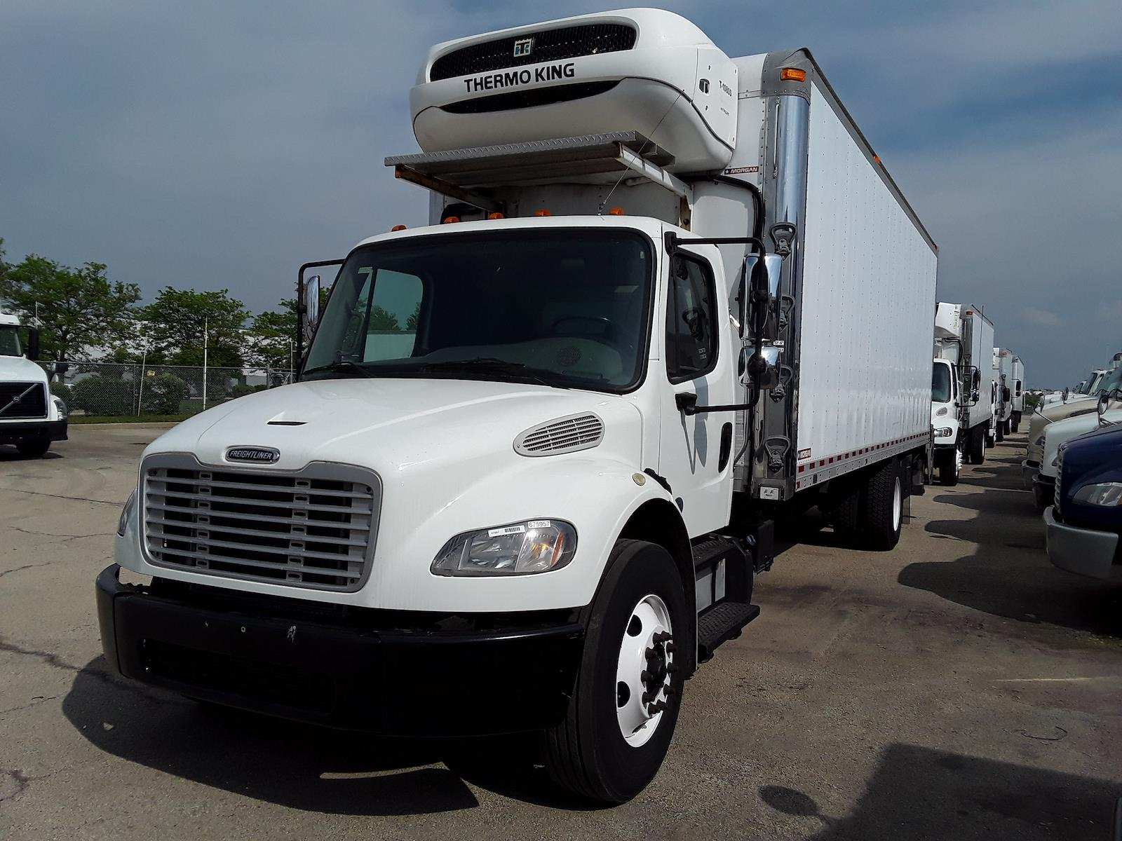 2017 Freightliner Truck 4x2, Refrigerated Body #675957 - photo 1