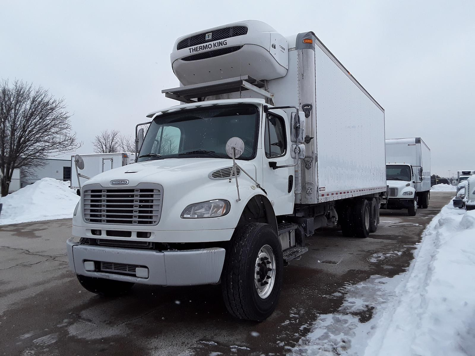 2017 Freightliner Truck 6x4, Cab Chassis #676361 - photo 1