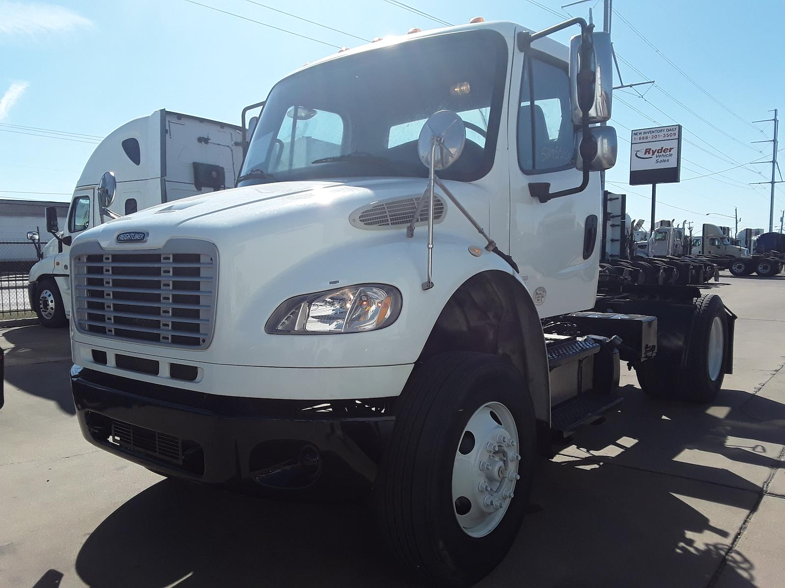 2014 Freightliner M2 106 4x2, Tractor #529558 - photo 1