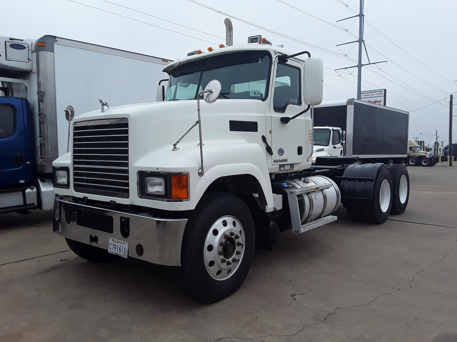 2014 Mack CHU613, Tractor #545683 - photo 1