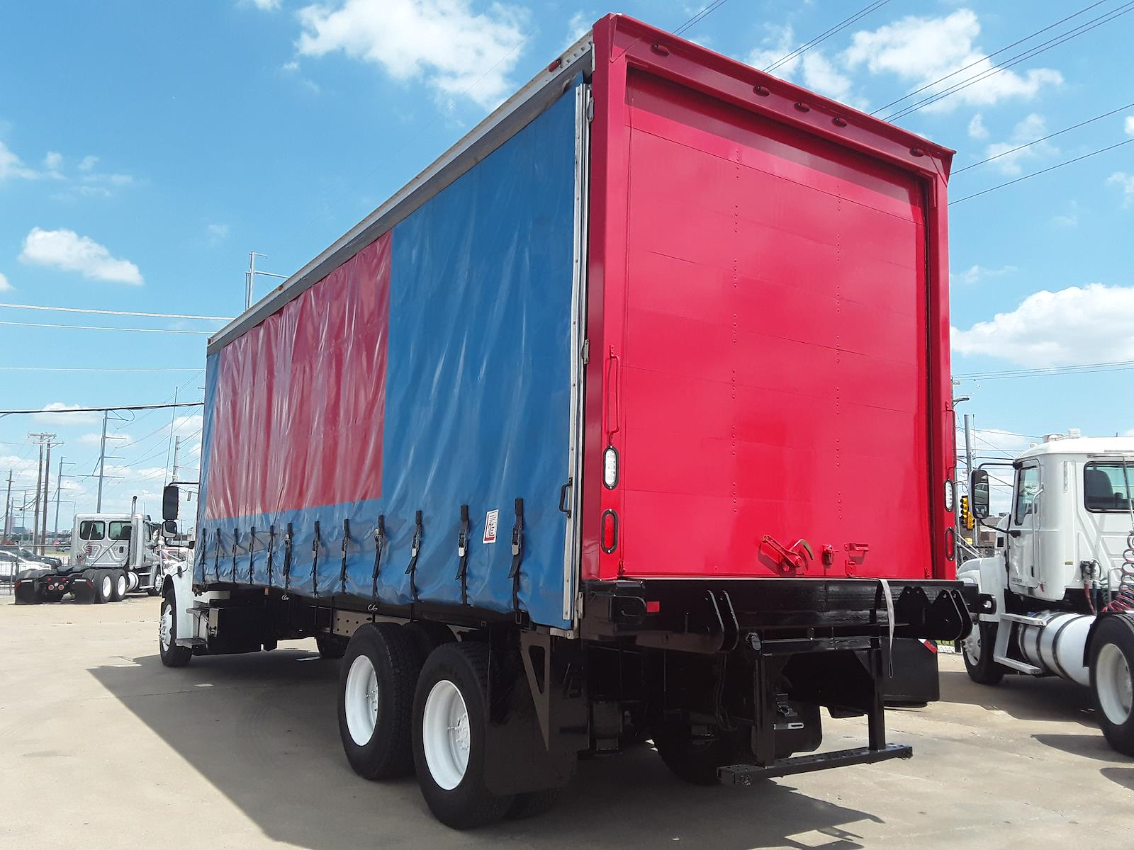 2015 Freightliner M2 106 6x4, Dry Freight #574837 - photo 1