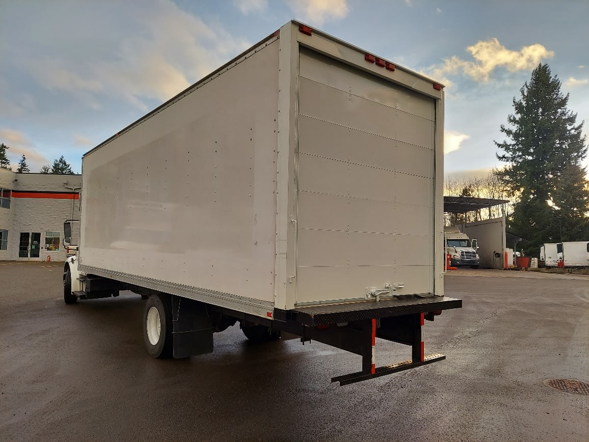 2016 Freightliner M2 106 4x2, Dry Freight #360020 - photo 1