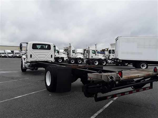 2013 International Truck 4x2, Morgan Cab Chassis #480133 - photo 1
